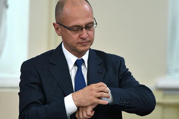 «Жизнь налаживается»: вКремле хотят сделать конвейер положительной пропаганды