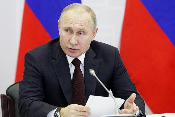 Путин позволил военным отвечать фразой «Служу России»— вместо «Служу Российской Федерации»