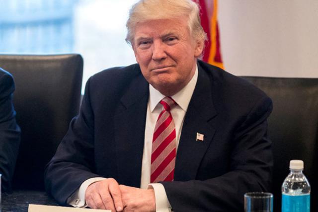 Сенаторы-республиканцы требуют, чтобы Трамп поддерживал либо съезд США, либо РФ
