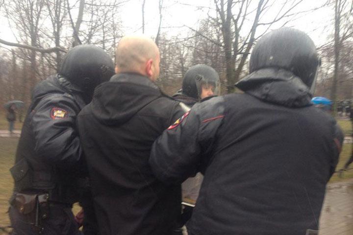 ВПетербурге задержали участников несанкционированной акции