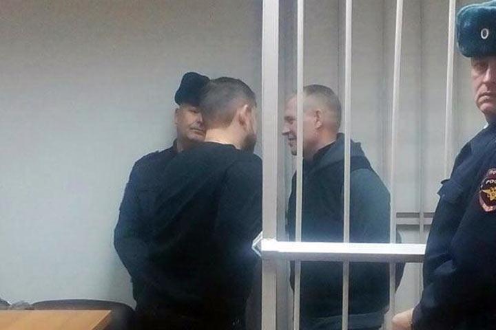 У Владимира Бызова арест наложился на другой арест