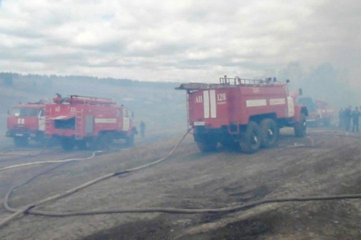 ВКрасноярском крае из-за сильного ветра пылают десятки домов