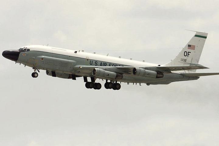 Американский самолет провел разведку 2-х областей назападе РФ