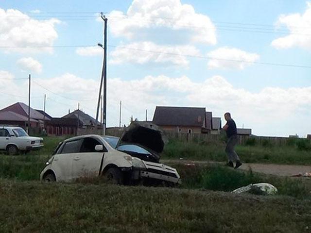 В Хакасии Toyota Ist врезалась в насыпь, водитель погиб