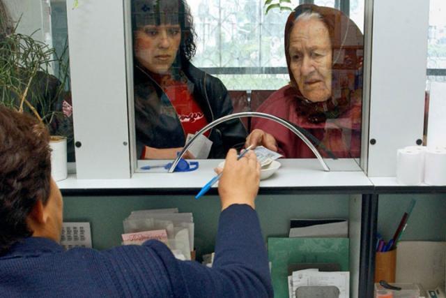 Пожилые люди Тольятти получат по 5 тыс. руб.