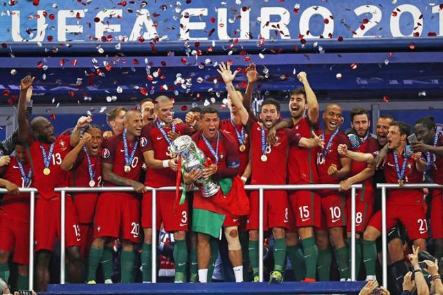 Португалия впервый раз всвоей истории выиграла Евро