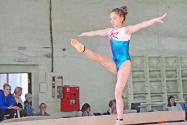 Ангарский гимнаст завоевал «бронзу» наВсероссийских соревнованиях напризы Елены Наймушиной