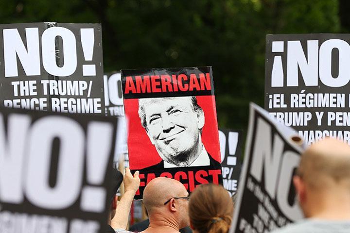 Лидер республиканцев сомневается, что Трамп сохранит президентство,