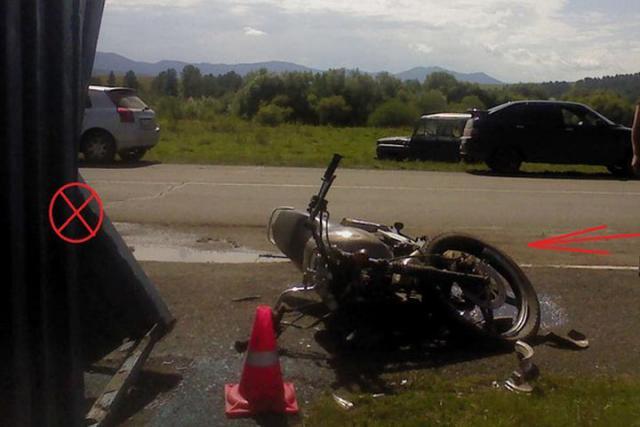 На дороге в Хакасии погиб мотоциклист