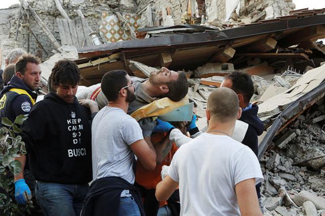 Жертв землетрясения вИталии уже 247