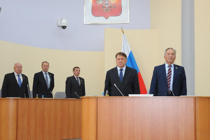 Руководитель Хакасии отправил руководство республики вотставку