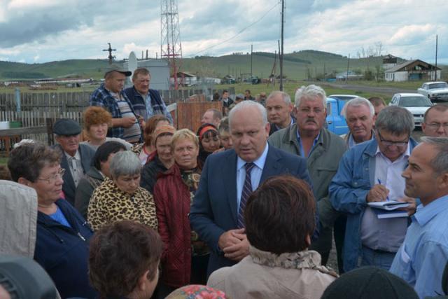 Погорельцы в Шира ждут губернатора