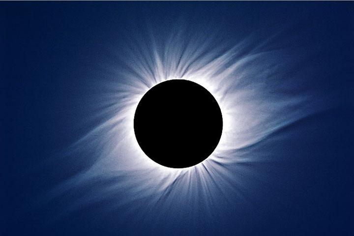 Граждане Удмуртии смогут увидеть полутеневое лунное затмение