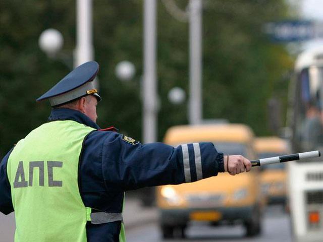 Гаишникам Абакана повезло - два нарушителя в одном авто