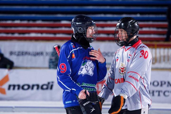 Хоккеисты «Мурмана» завоевали в заключительном турнире серебряные медали