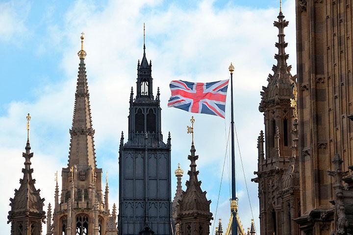 Замглавы МВД Англии пообещал собственникам многомиллионных активов «тяжёлую жизнь»