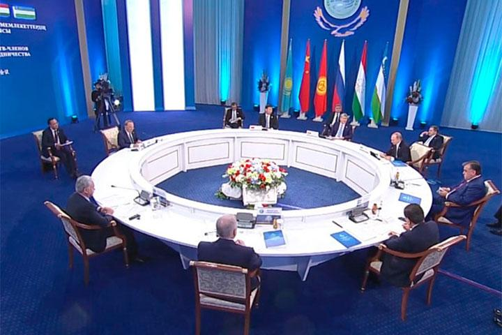 Путин поведал опланахИГ подестабилизации юга РФ