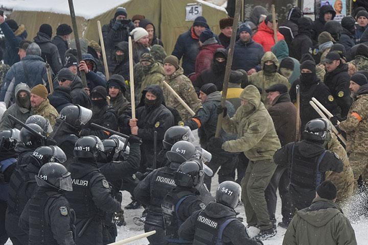 После столкновений под Радой вуправления милиции  доставили 111 человек