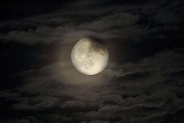 Воронежцев приглашают увидеть лунное затмение через телескоп