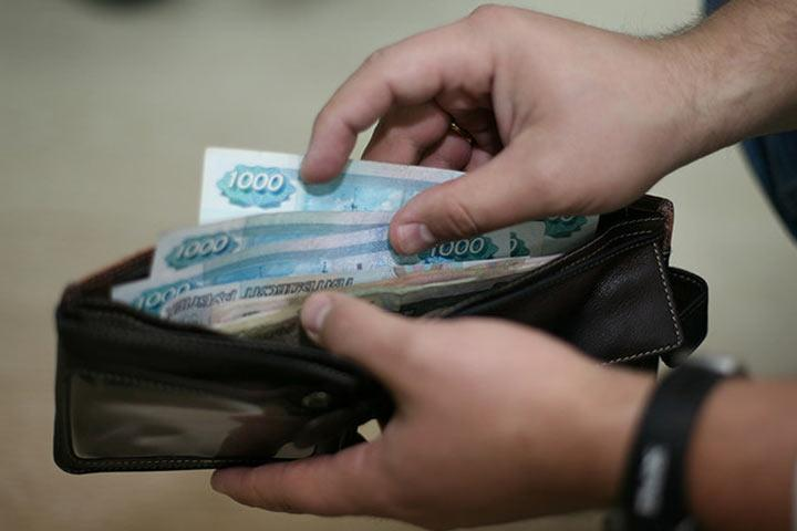 Настоящие доходы граждан России втечении следующего года снизились на5,9% — Росстат