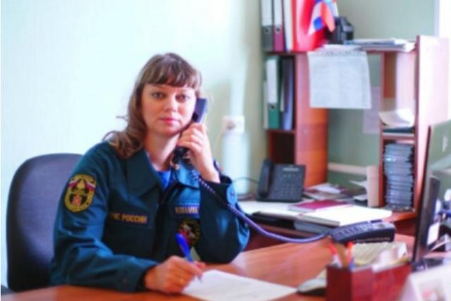 В Хакасии девушка-спасатель вытащила из воды тонущего человека