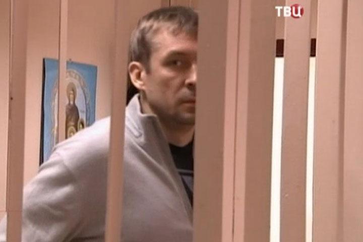 Супруг  Семенович убежал  отправосудия наКипр