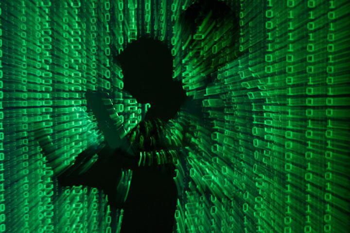 Информацию обатаках русских  хакеров США получили отголландской разведки