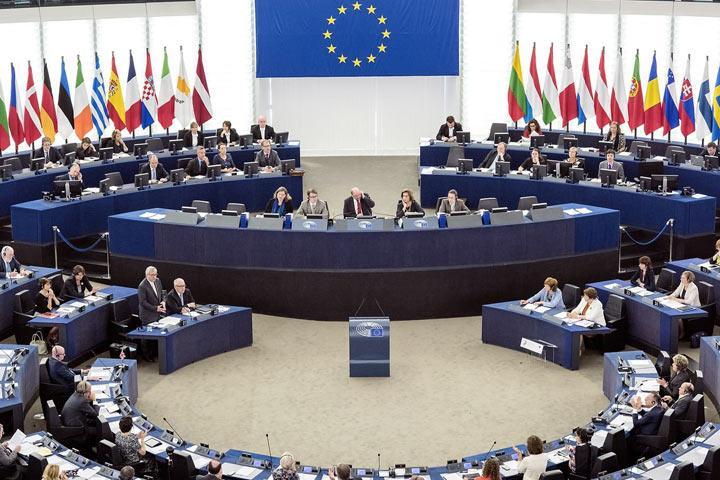 Главой Европарламента избран Антонио Таяни