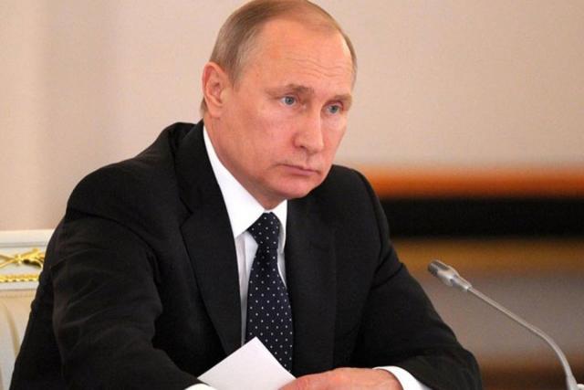Путин отправил вотставку губернаторов исменил полпредов