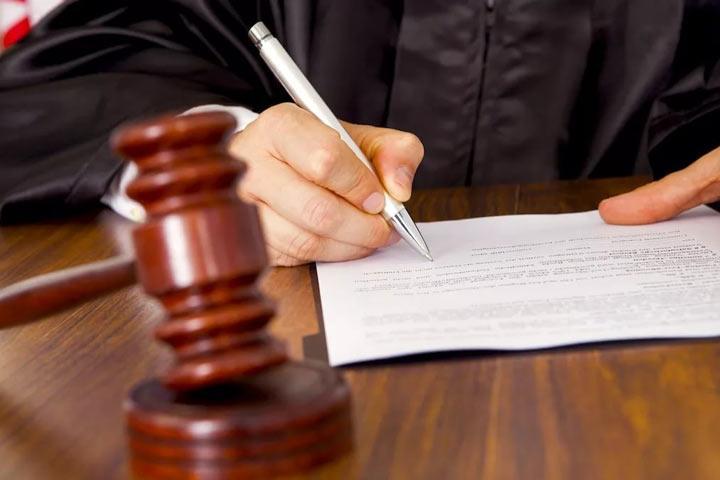 2-х мужчин приговорили клишению свободы заразбой иубийство вАбакане