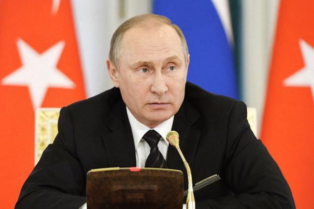 Владимир Путин анонсировал возобновление чартерного авиасообщения сТурцией