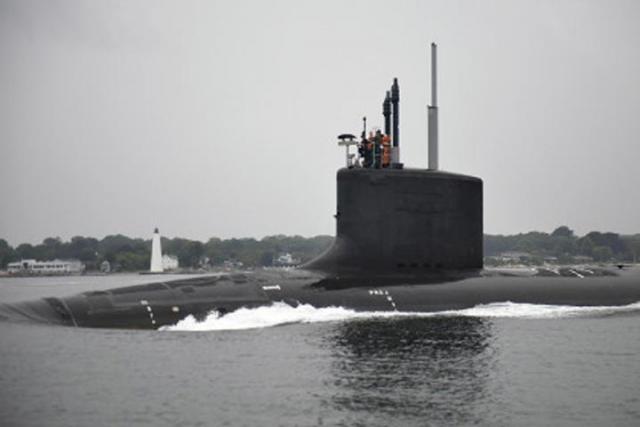Навооружение принята новая подводная лодка «Иллинойс»— США