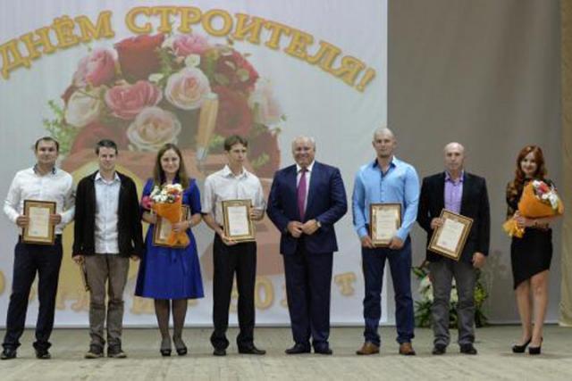 В Хакасии состоялись торжества в преддверии Дня строителя