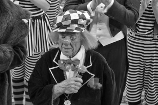 Директор Ростовского цирка нехочет проводить представление без Олега Попов ...