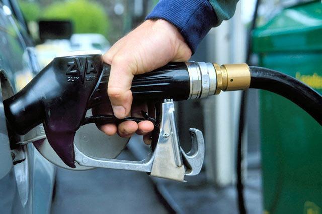 ВАлтайском крае продолжают понижаться цены набензин