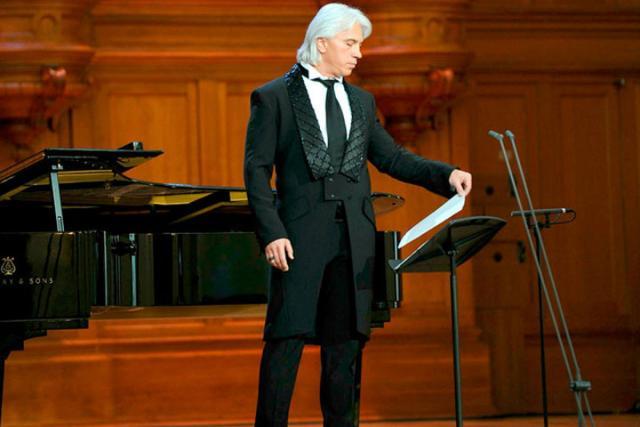 Дмитрий Хворостовский непланирует отменять концерты. Втом числе, вКрасноярске